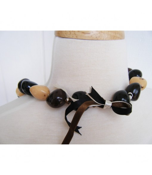 Kukui Lei [ Cowrie Shell with Leaf ] Black
