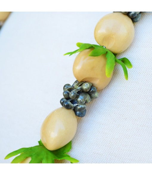Kukui Lei [ Green Mongo Shell with Leaf ] Natural