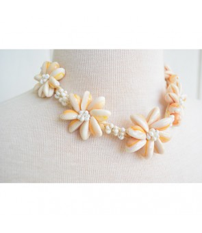 Hawaiian Shell Necklace [ Tiare Choker / Raffia ] Natural & White