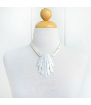 Tahitian Shell Necklace [ Mahana 7 ] White