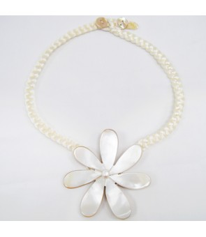 Tahitian Shell Necklace [ Single Tiare ] White 3-Inch